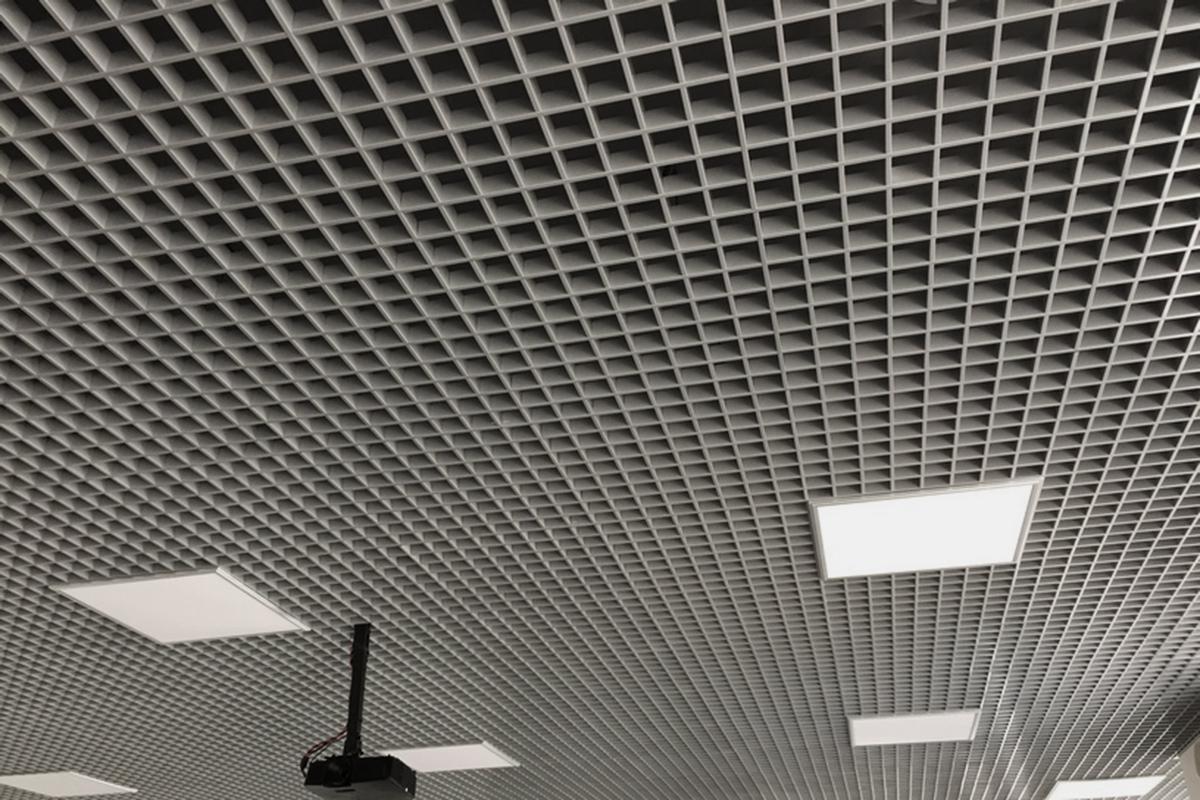 Потолок Грильято с ячейкой 75x75 металлик серебристый