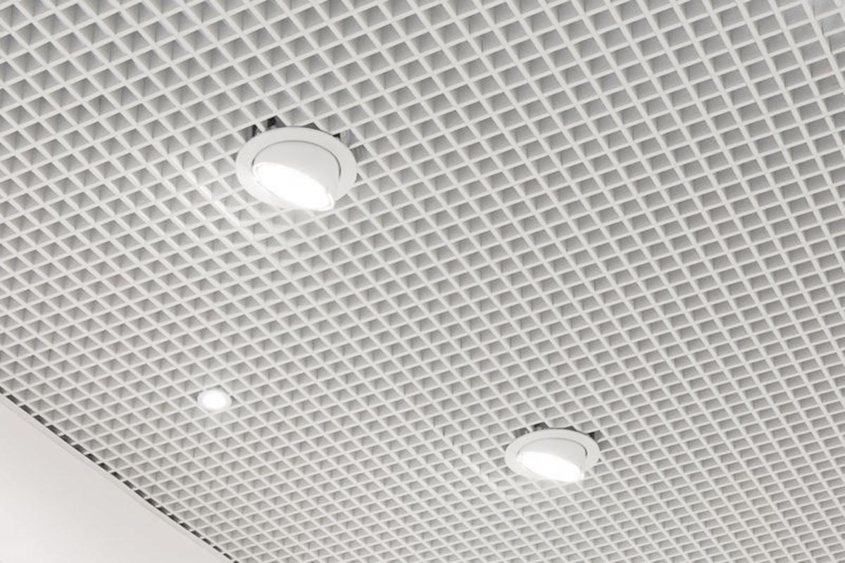 Потолок Грильято с ячейкой 50x50 белый