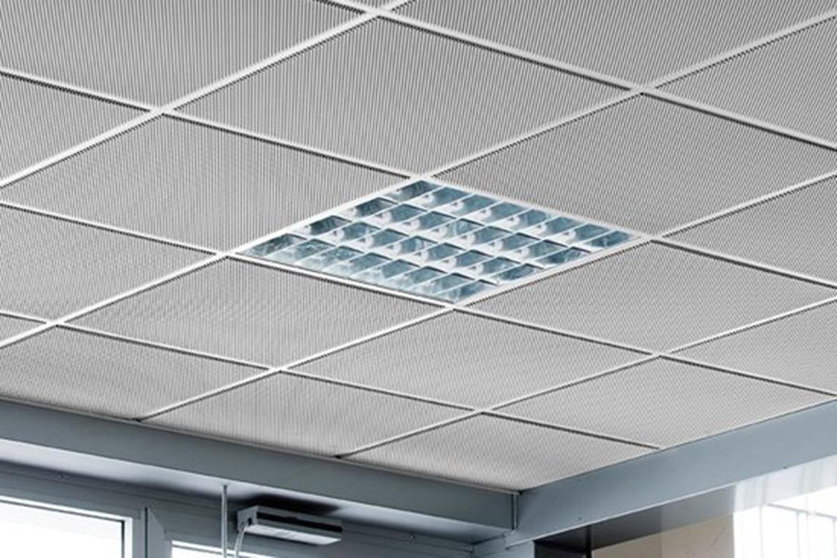 Кассетный потолок ПВС Q10 металлик матовый